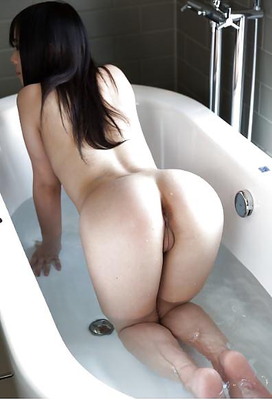 Feurige geschäftige Pos in Nacktbildern