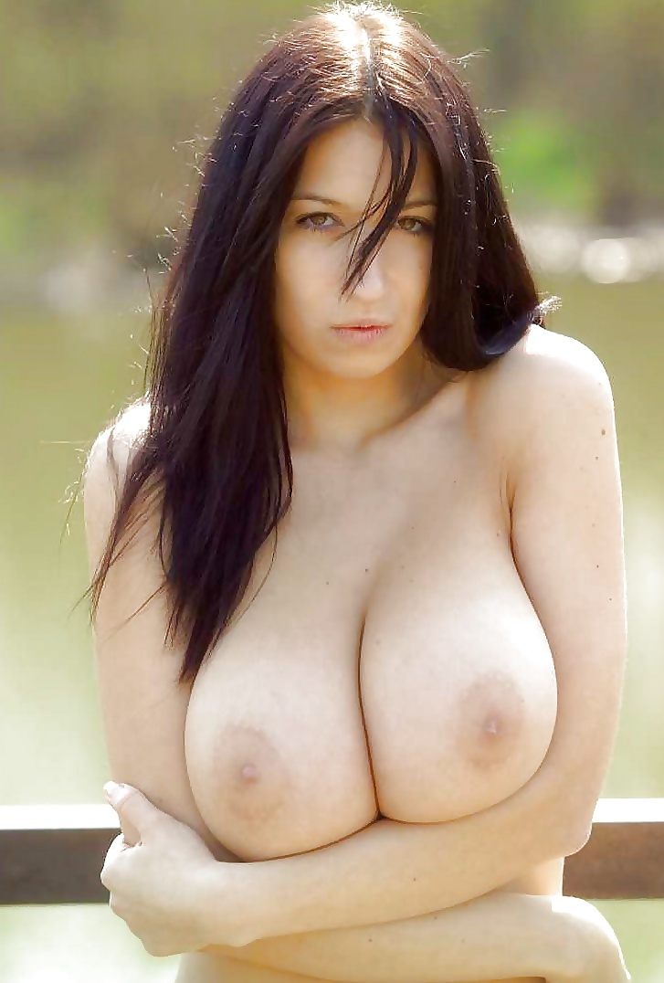 Große Büsten in kostenlos Fotos