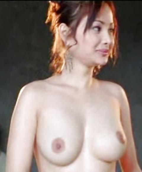 Schöne asiatische Dirnen in gratis Aktfotos